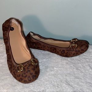 Dress Barn Cheetah Print Flats w/buckle Size 7.5